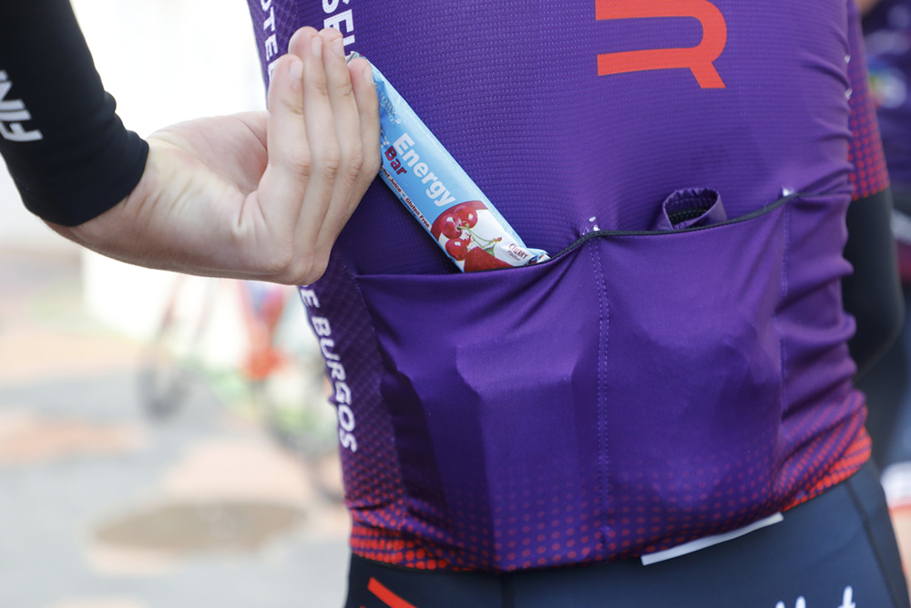 ¿Por qué es tan recomendable combinar barritas energéticas durante la práctica del ciclismo?